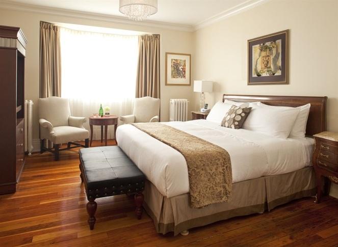 Victoria hotel room